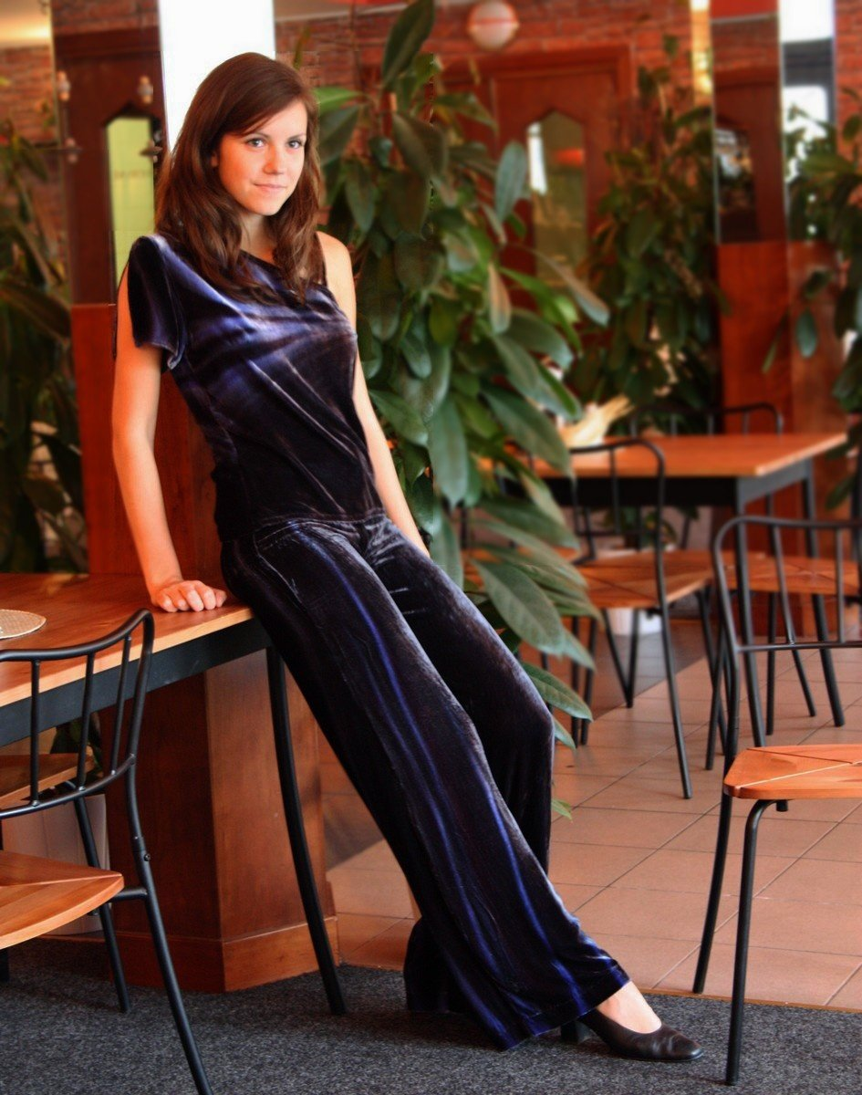 de6afca901e Kalhotový kostým z hedvábného sametu    Detail produktu    Radka ...