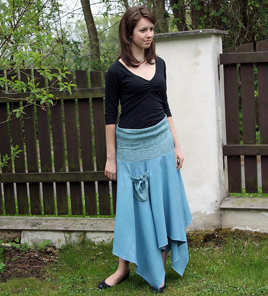 32dd65e0d5d Dlouhá sukně s úletovým sedlem    Detail produktu    Radka Zrůstková ...